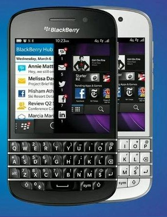 Blackberry Q10 B&W front