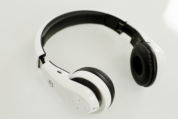 Manhattan Flyte Headphones - Left Side Angle Shot