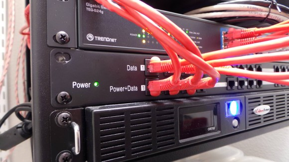 Open-Mesh Rack Mount POE Injector