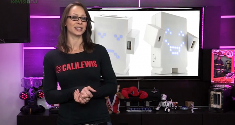Cali Lewis on GeekBeat Episode 829
