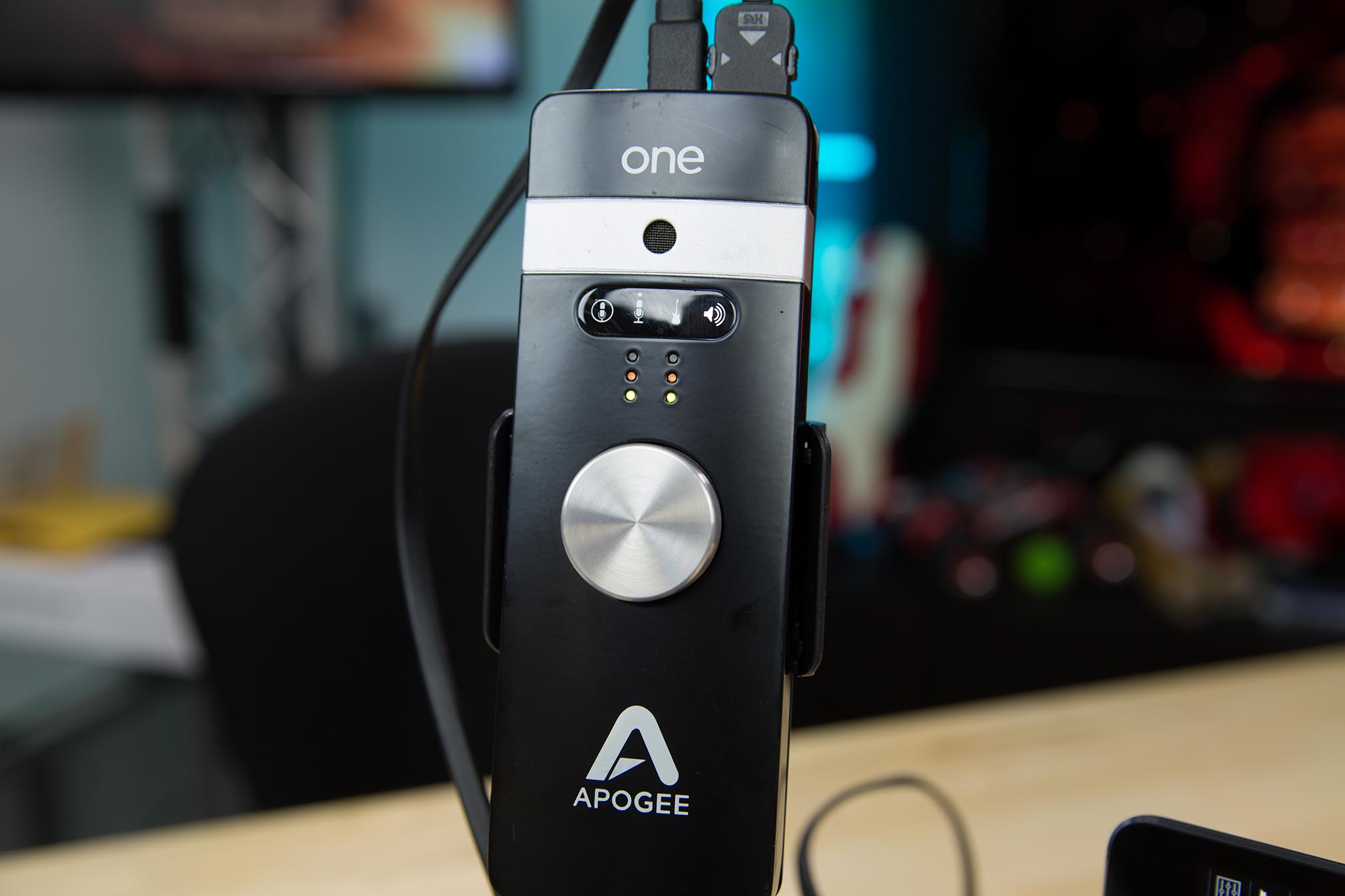 Apogee One LEDs