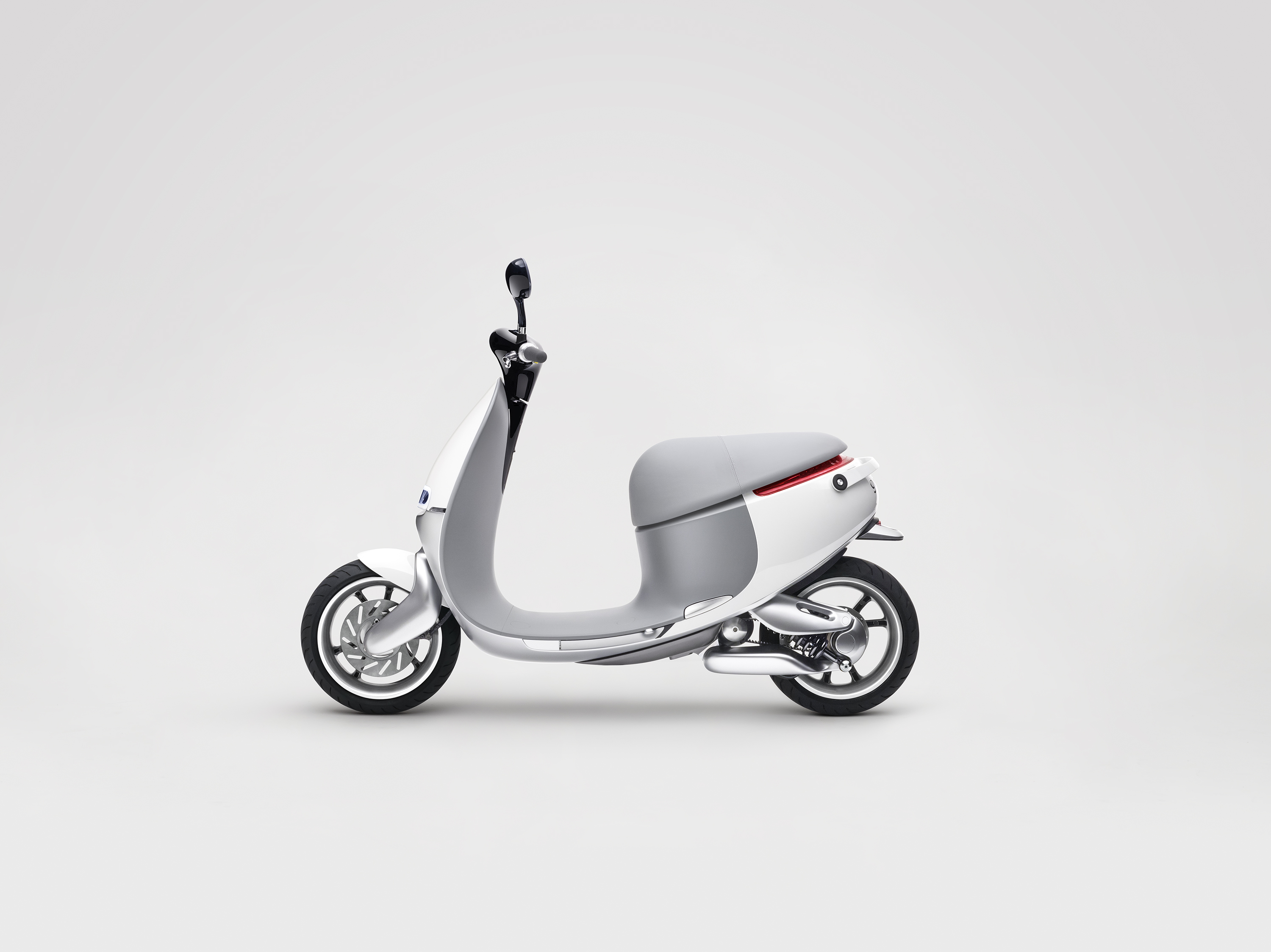 Gogoro-Smartscooter-Left-Profile